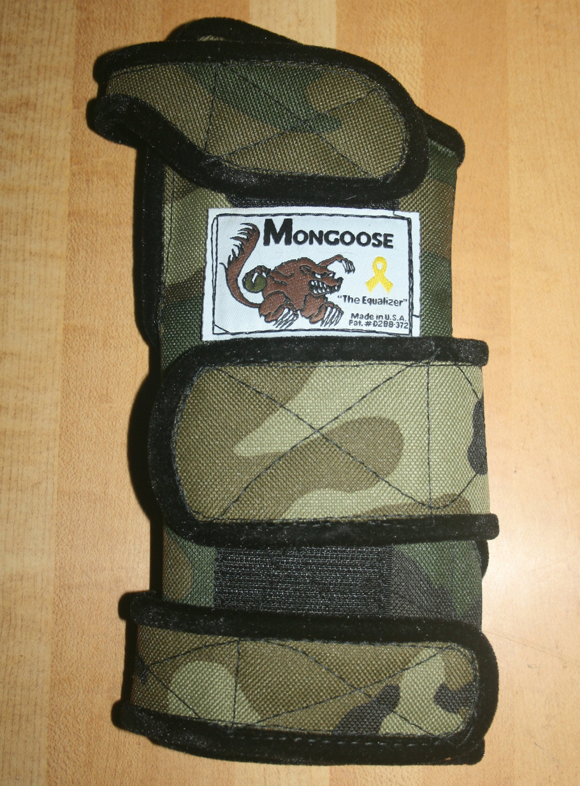 Mongoose ''Equalizer Bowling Wrist Support Right Hand, Small, Camo