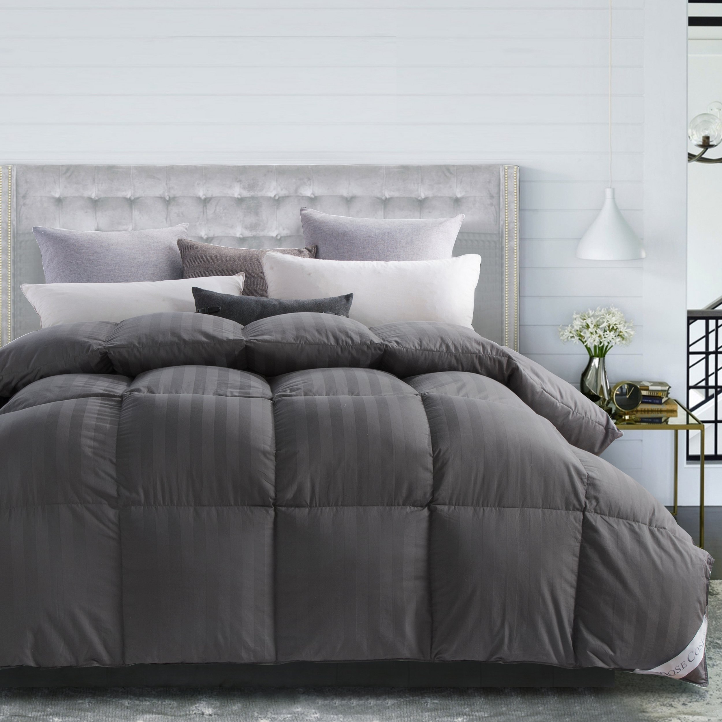 Rosecose Luxurious All Seasons Goose Down Comforter King