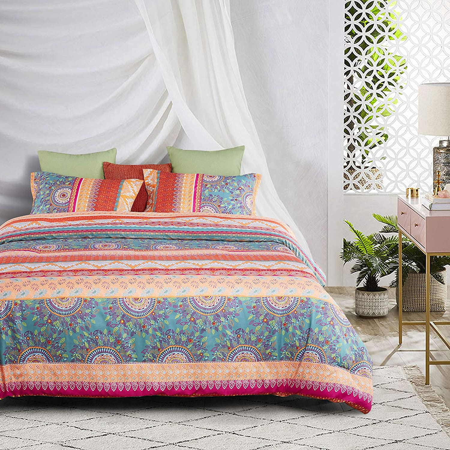 Wake In Cloud - Bohemian Comforter Set, Orange Coral Boho Chic Mandala Pattern Printed, Soft Microfiber Bedding