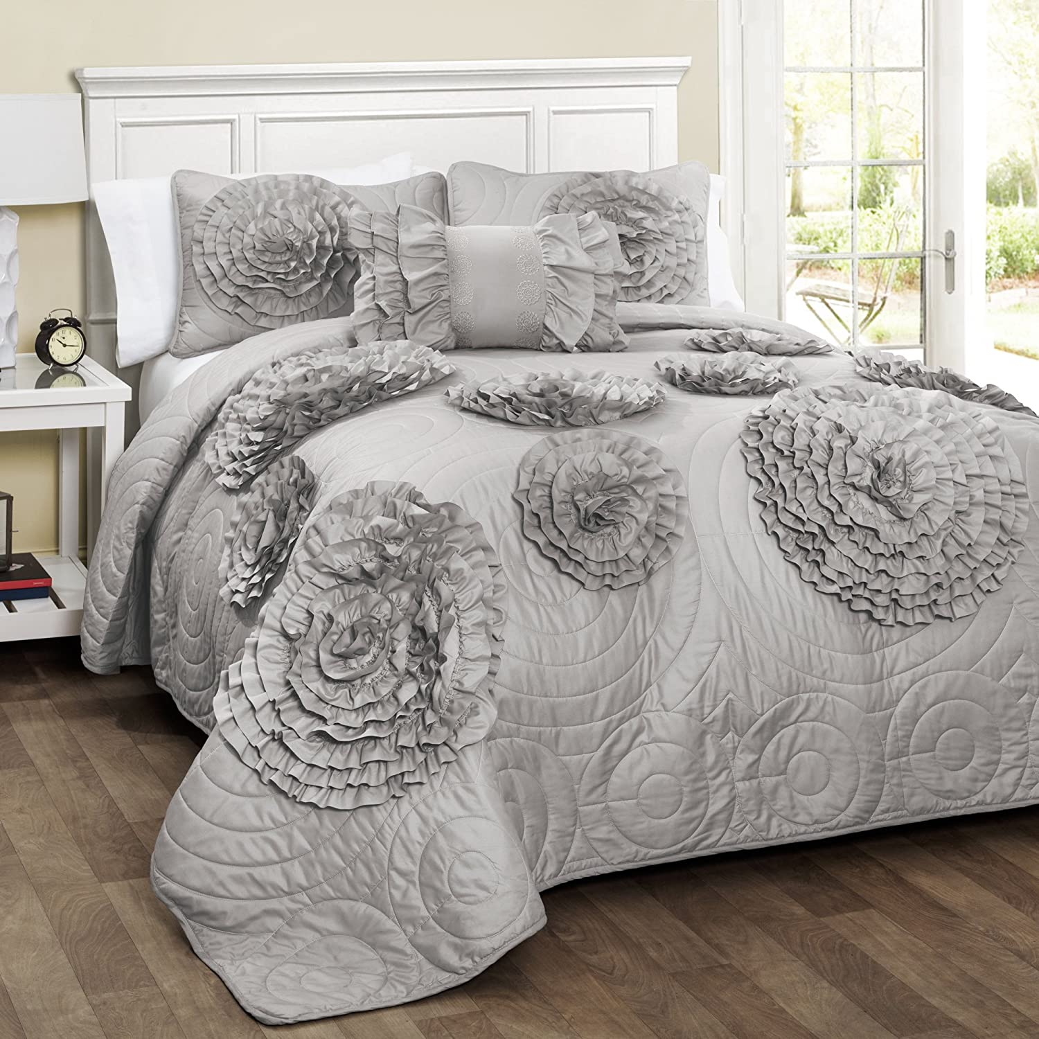 amazoncom lush decor t  piece fiorella quilt white set  - amazoncom lush decor t  piece fiorella quilt white setfullqueen white home  kitchen