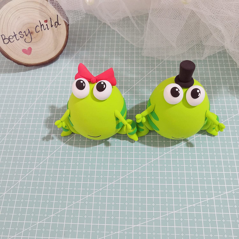 Figurine Kawaii Style funny wedding cake topper Polymer Clay frog wedding cake topper