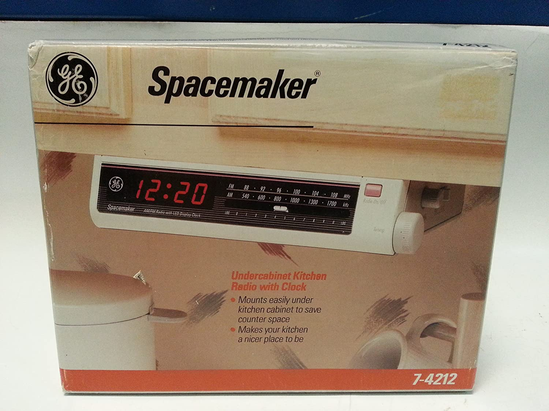 amazon com ge spacemaker undercabinet kitchen companion am fm radio rh uedata amazon com