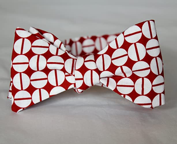 5ac5897de50b Amazon.com  Red and White Dashed Dots Bowtie - clip on