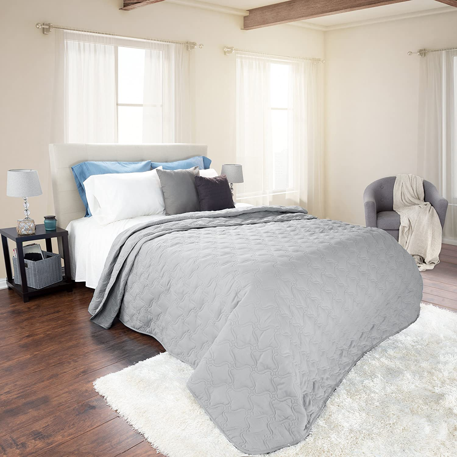 Solid Color Quilt by Lavish Home Twin Black