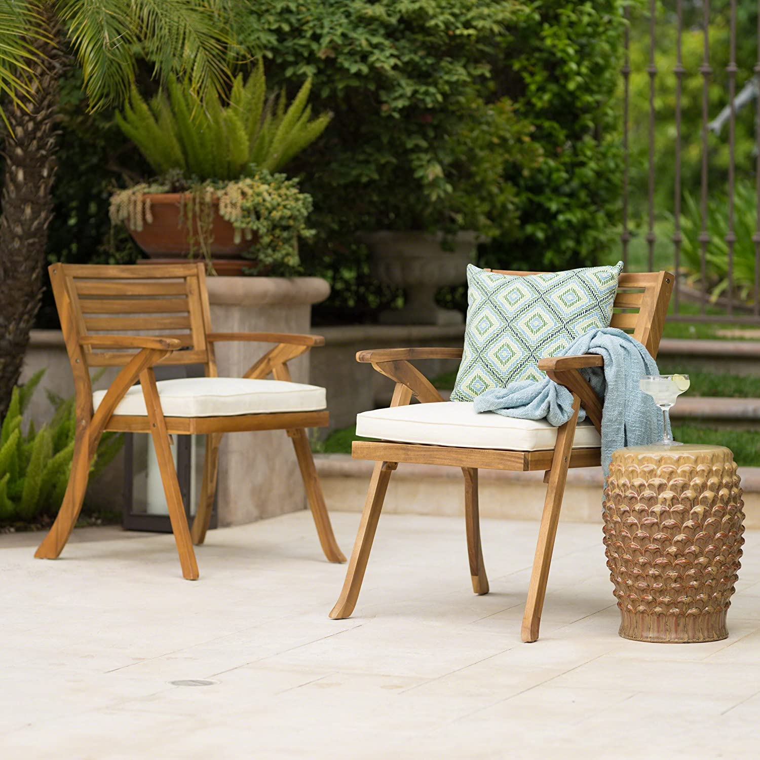 Amazon com christopher knight home helen outdoor teak finish acacia wood arm chair set of 2 garden outdoor