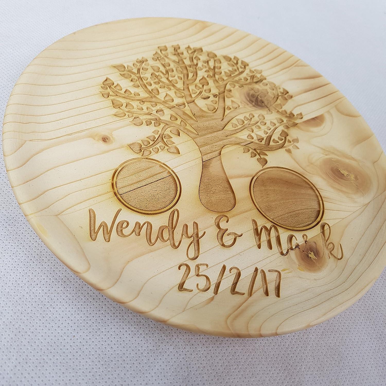 Árbol de madera personalizado anillo bandeja ~ soporte para anillos de propuesta de matrimonio ~ grabada con láser ~ diseño ~ ~ de regalo de boda y anillo ...