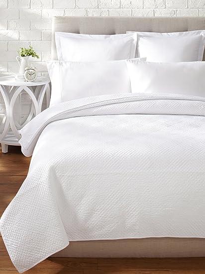 Amazon Cf Home Hampton White Matelasse Cotton Quilt King