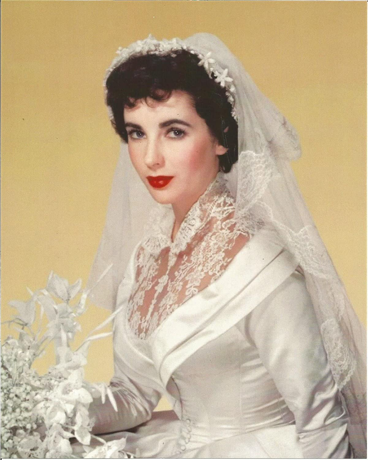 Father Of The Bride Elizabeth Taylor In Wedding Dress Holding