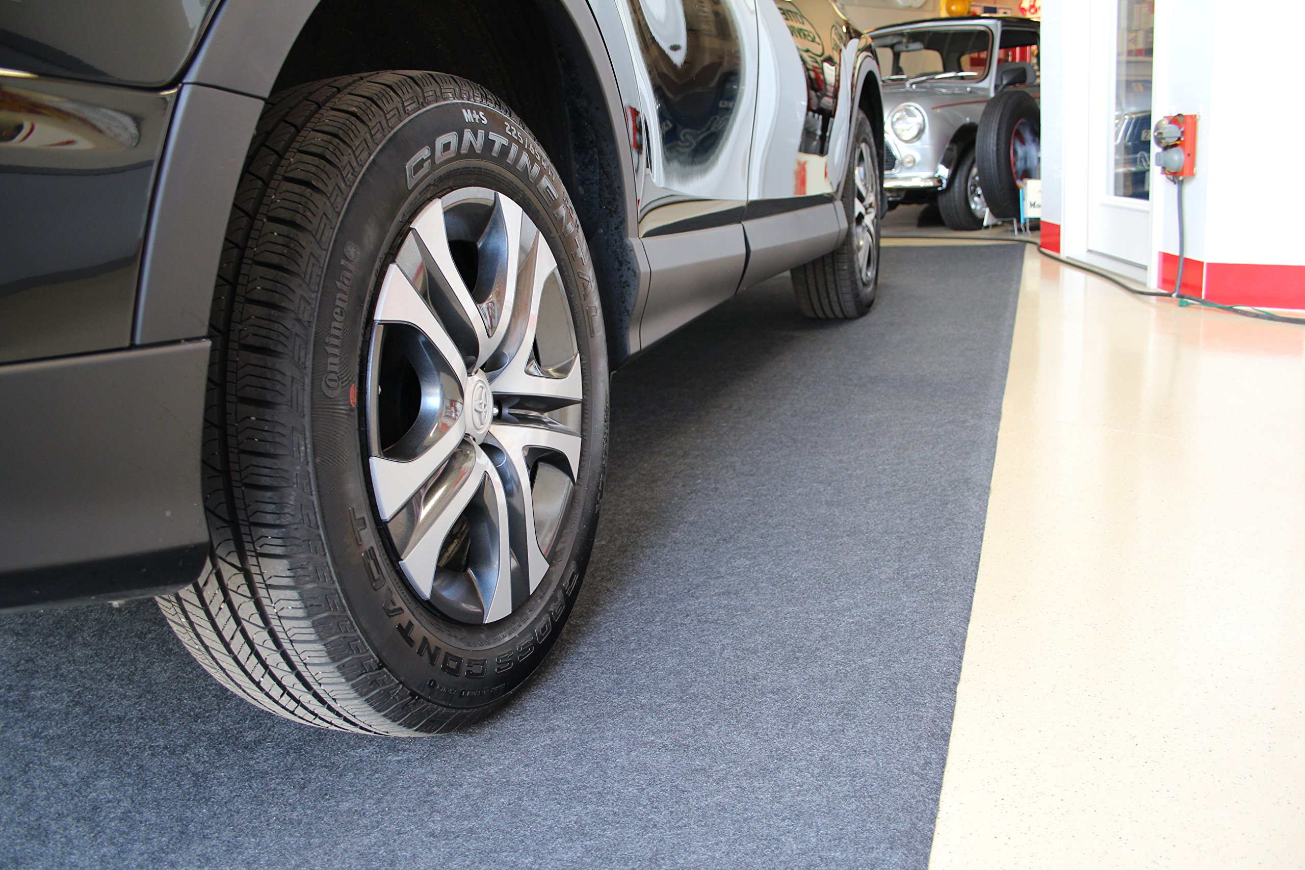 Armor All AAGFMC17 Charcoal 17' x 7'4'' Garage Floor Mat by Armor All (Image #5)