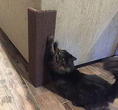 cat_scratching_post_furniture_protecter