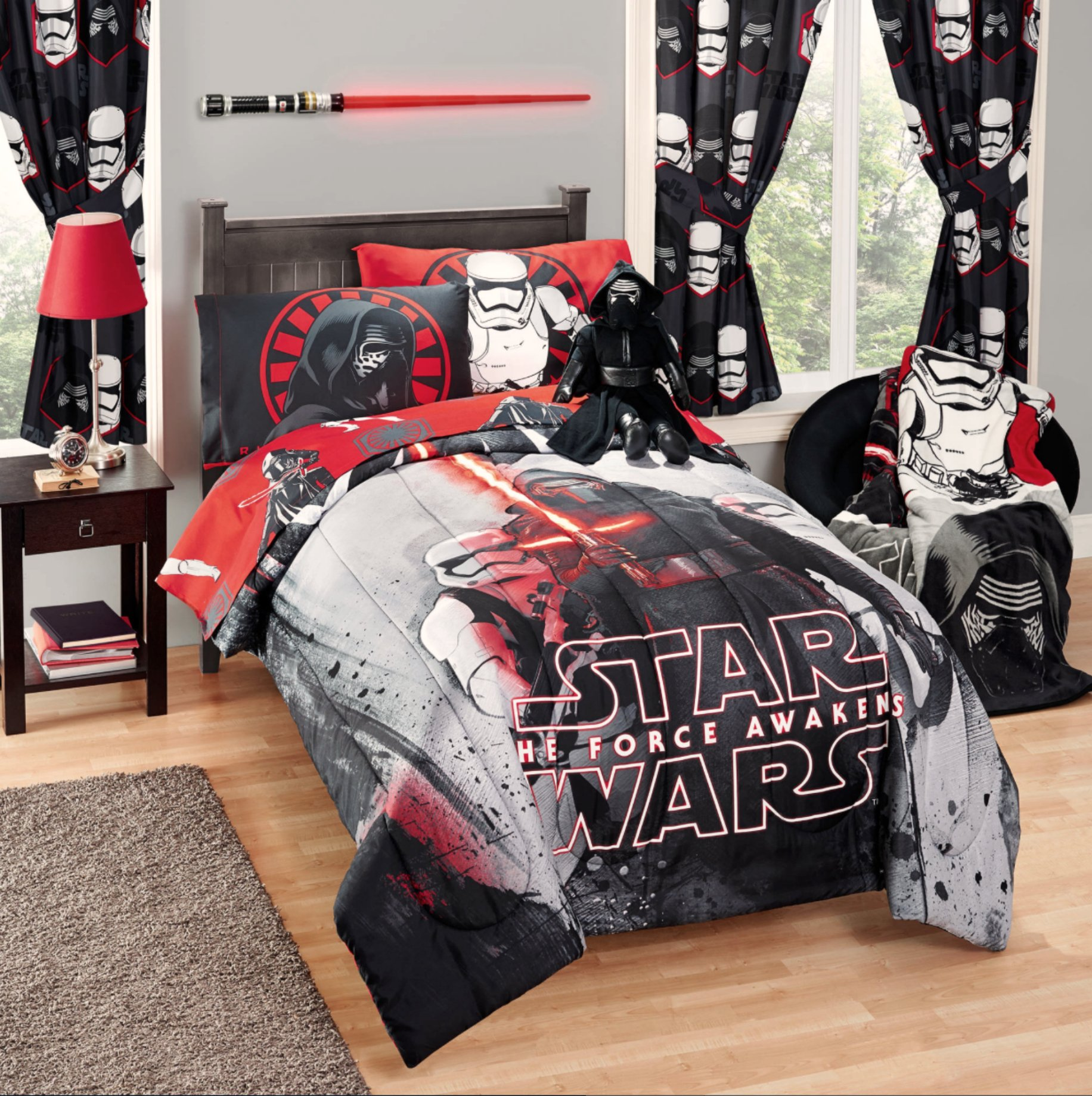 Disney Star Wars 5 Piece Kids Bed in a Bag Full Bedding Set - Reversible Comforter, Sheets & Pillow Cases