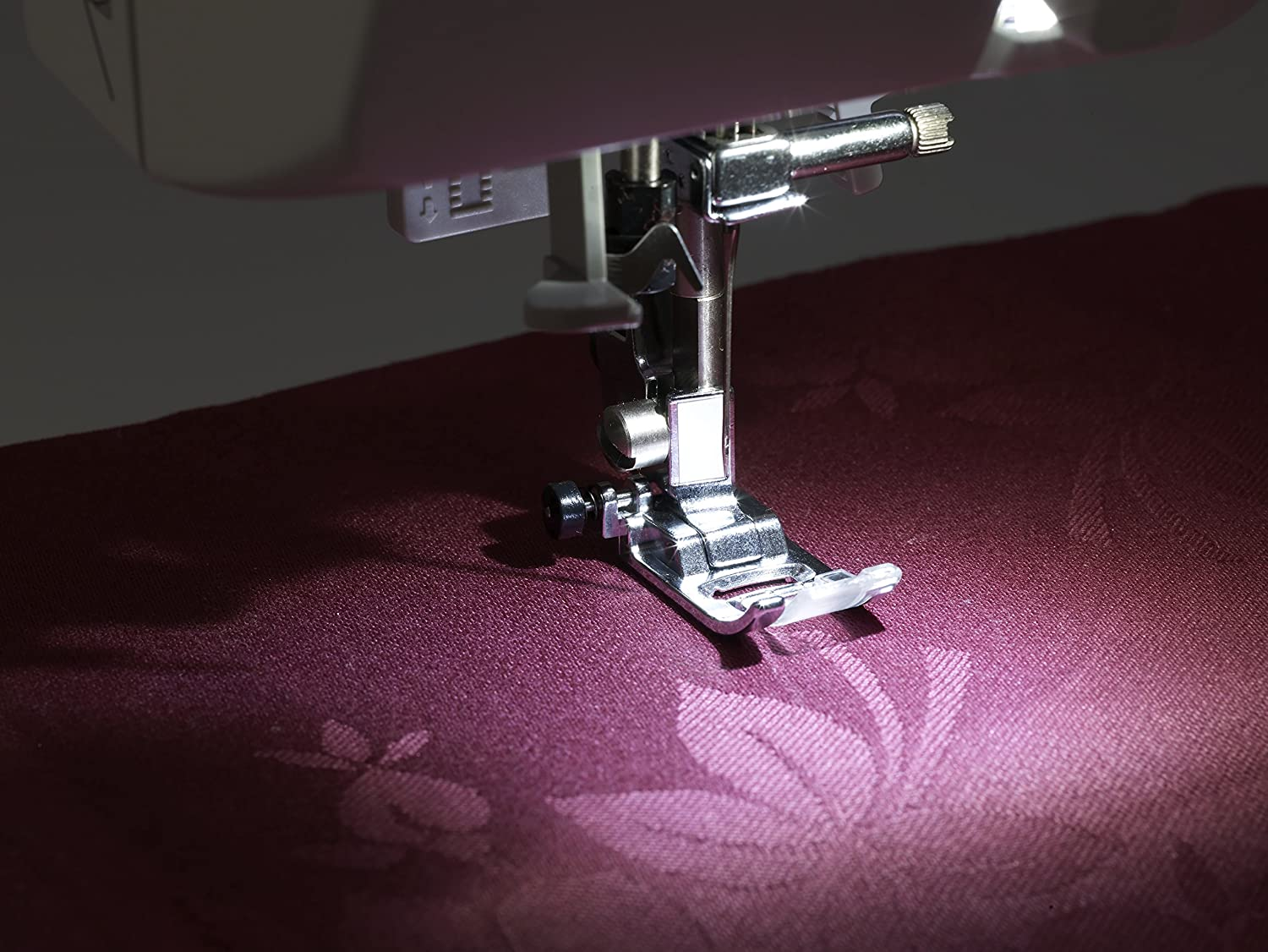 50 Built-In Stitches Brother Project Runway CS5055PRW Electric Sewing Machine Automatic Threading