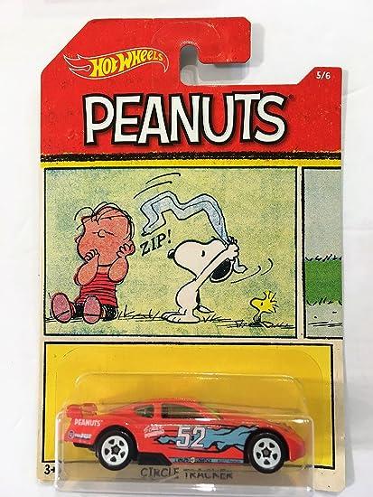 9613f70d91 Amazon.com  2017 Hot Wheels Peanuts  Linus CIRCLE TRACKER 5 6  Toys   Games
