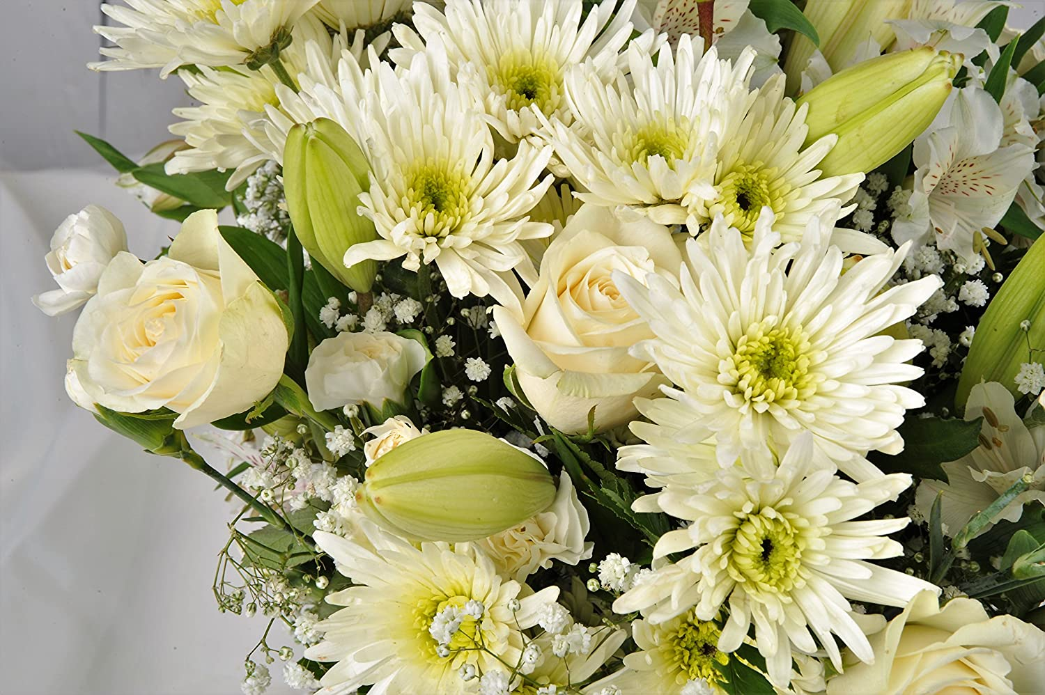 Sympathy flowers delivered next day beautiful white luxury fresh sympathy flowers delivered next day beautiful white luxury fresh flower bouquet free uk delivery within 1hr izmirmasajfo