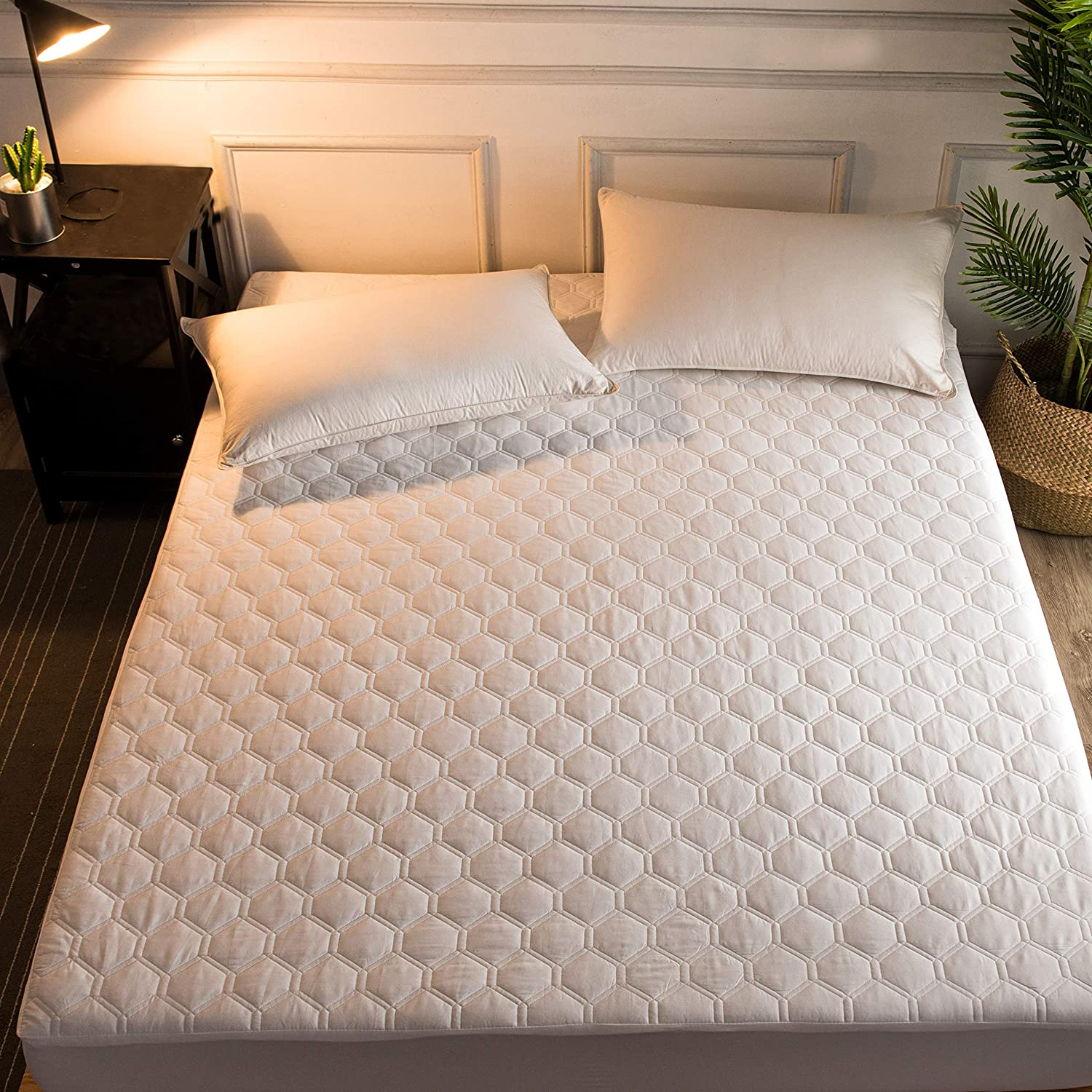 Hani Minna Premium Quilted Fitted Mattress Pad Protector Made with Natural Combed Cotton - Cooling and Breathable Mattress Toppers (Queen)