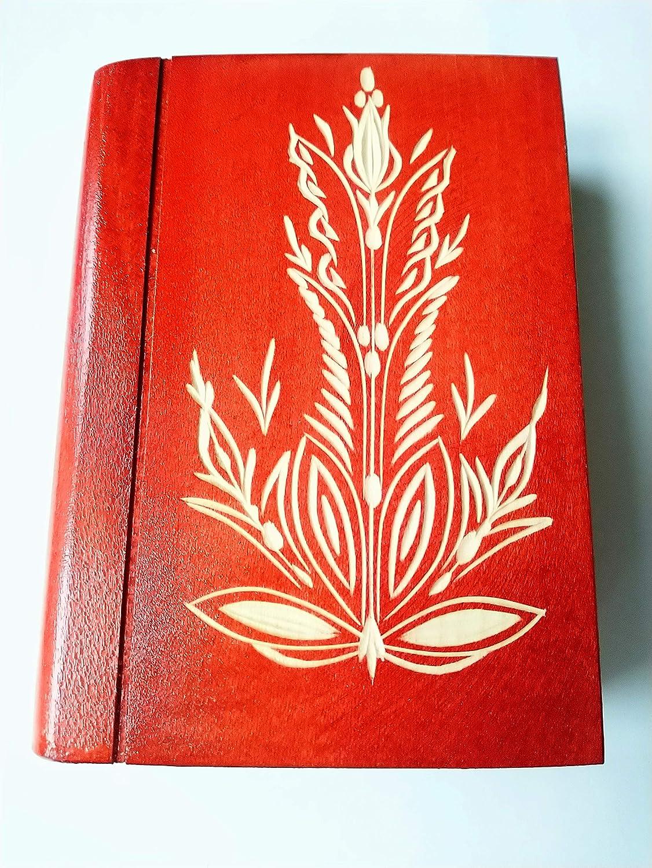 Juego de madera rojo de hermosa caja de rompecabezas para