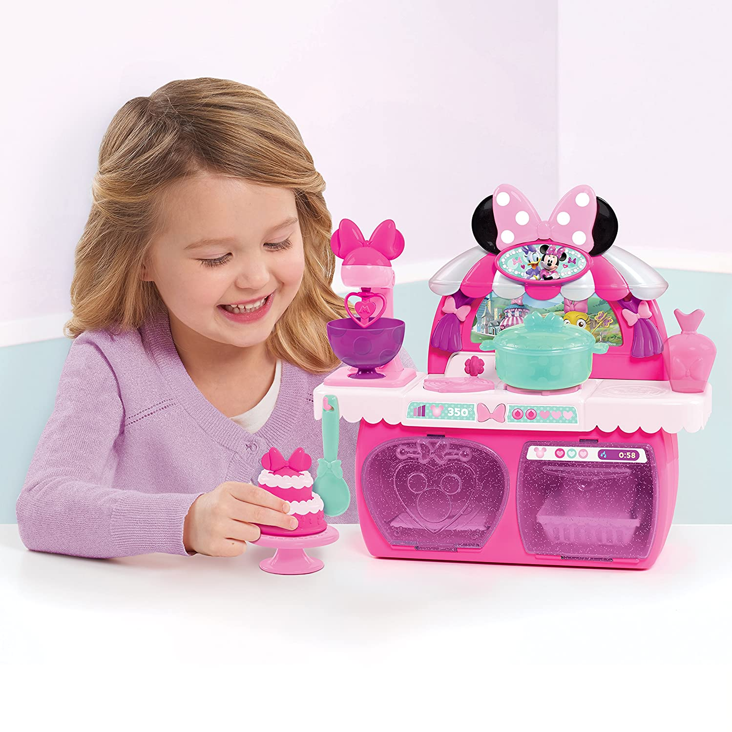 Pink Minnies Happy Helpers Bowtastic Pastry Playset