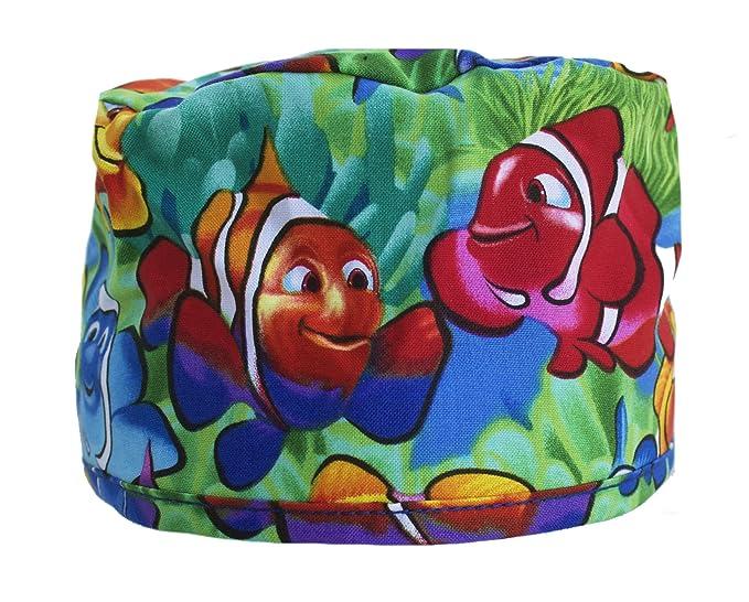 Amazon.com: Pez payaso Nemo Scrub gorro de con corbata ...
