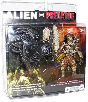 "Alien vs Predator Classic 7/"" Figure 2-Pack  Xenomorph 05"