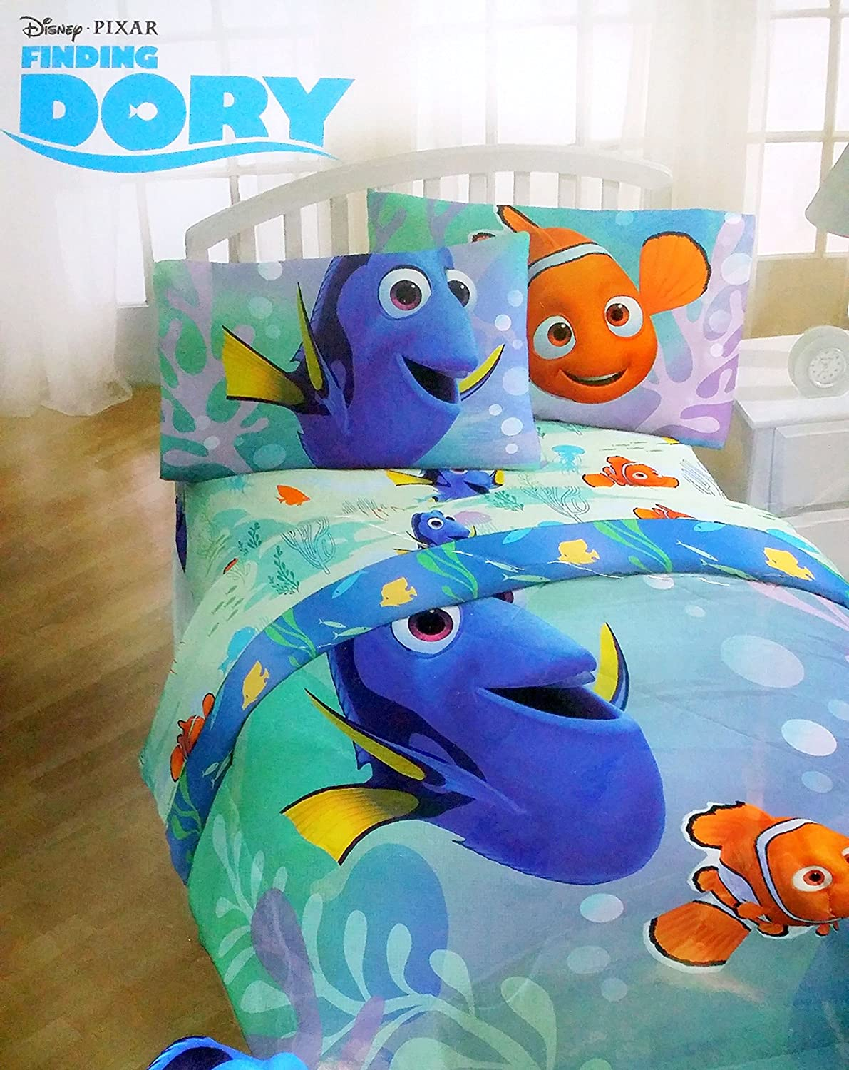 Disney Pixar Finding Dory Twin Sized 4 Piece Bedding Set - Reversible Comforter and Sheet Set Jay Franco and Sons Inc.