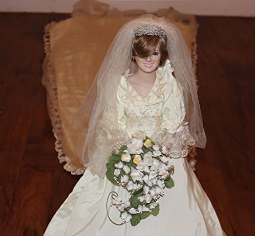 Amazon Com The Princess Diana Porcelain Bride Doll By The Danbury Mint Home Kitchen