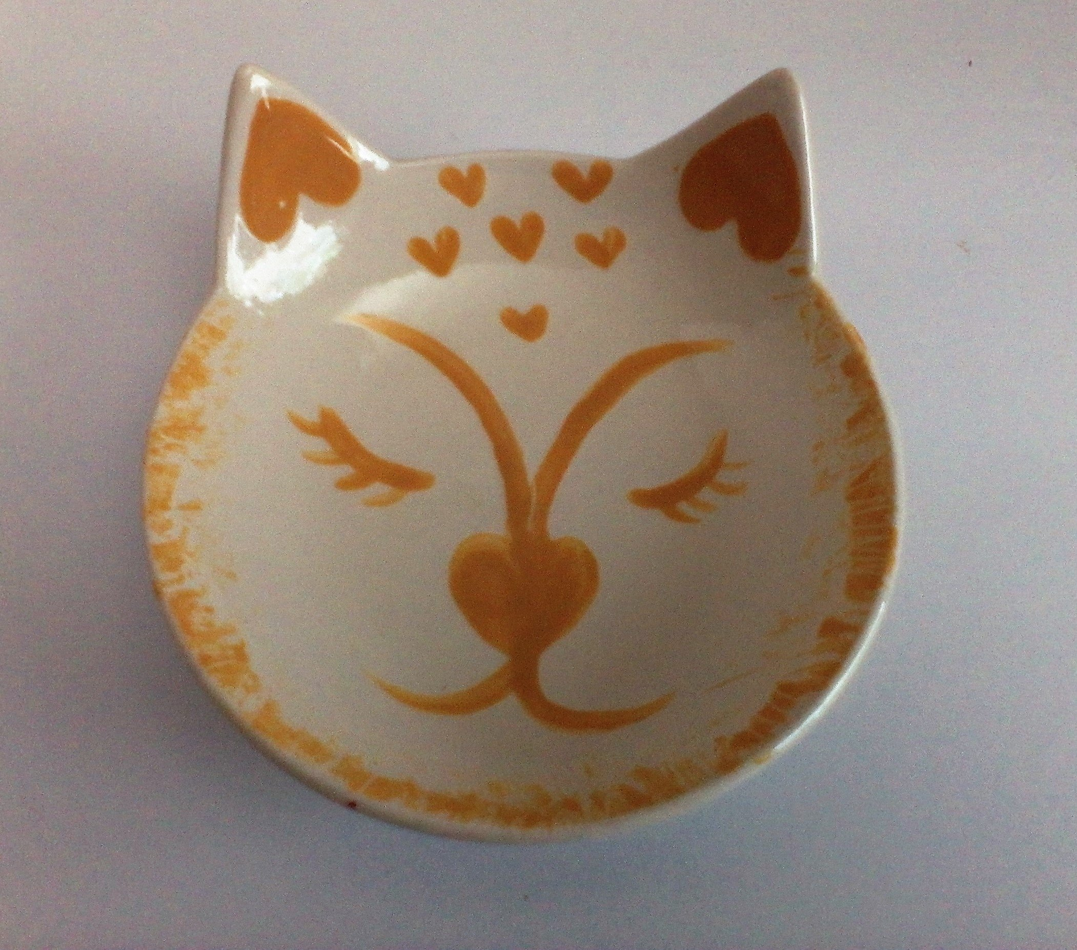 Calico cat water or feeding bowl