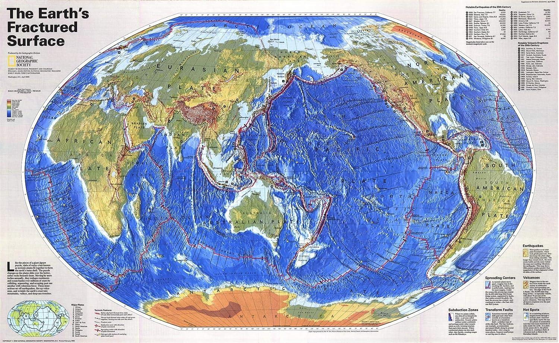 Cartina Mondo National Geographic.National Geographic Superficie Fratturata Delle Terre Mappa Da Parete Con Piatti Tattici Del Mondo Centrata Sul Pacifico 92 1 X 56 5 Cm Amazon It Amazon It
