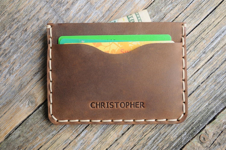 Marron Portefeuille en cuir PERSONNALISÉ pour Carte de crédit, argent comptant ou titulaire d'identification. Pochette unisexe style rustique. Embosser votre nom ou vos initiales.