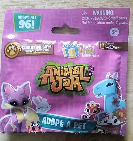 Amazon Com Animal Jam Adopt A Pet Sampler Blind Pack Pet Supplies