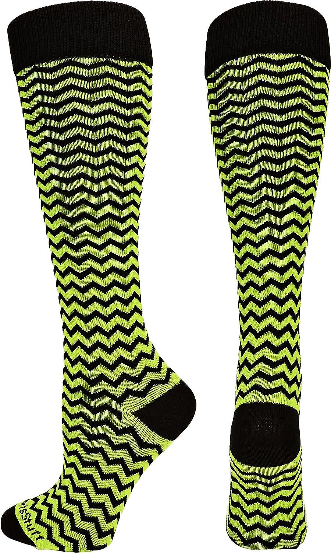 MadSportsStuff Chevron Athletic Over the Calf Socks (で使用可能な7色) B00TQ4LWYE Small|ブラック/電気 グリーン ブラック/電気 グリーン Small