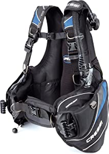 Cressi Light Travel Scuba Diving BCD - Completely Foldable for Saving Room- Fully Accessorised: 8 D-Rings, 2 Wide Side Pockets, 2 Rear Trim Pockets - High Lift Capacity - Travelight: designed in Italy