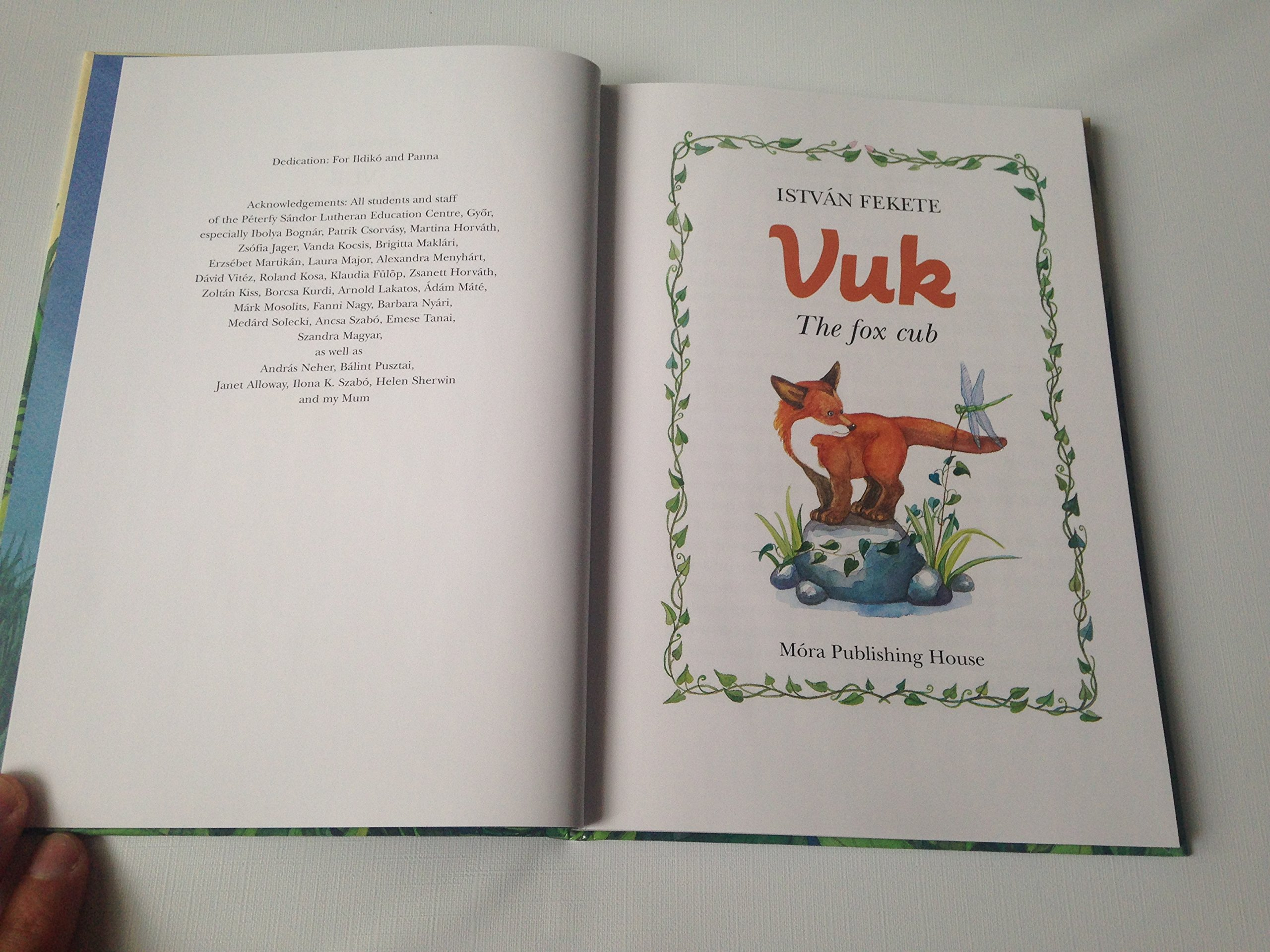 English Language Translation   Hungarian Classic For Children: Fekete Istv�n: 9789631197341: Amazon:  Books