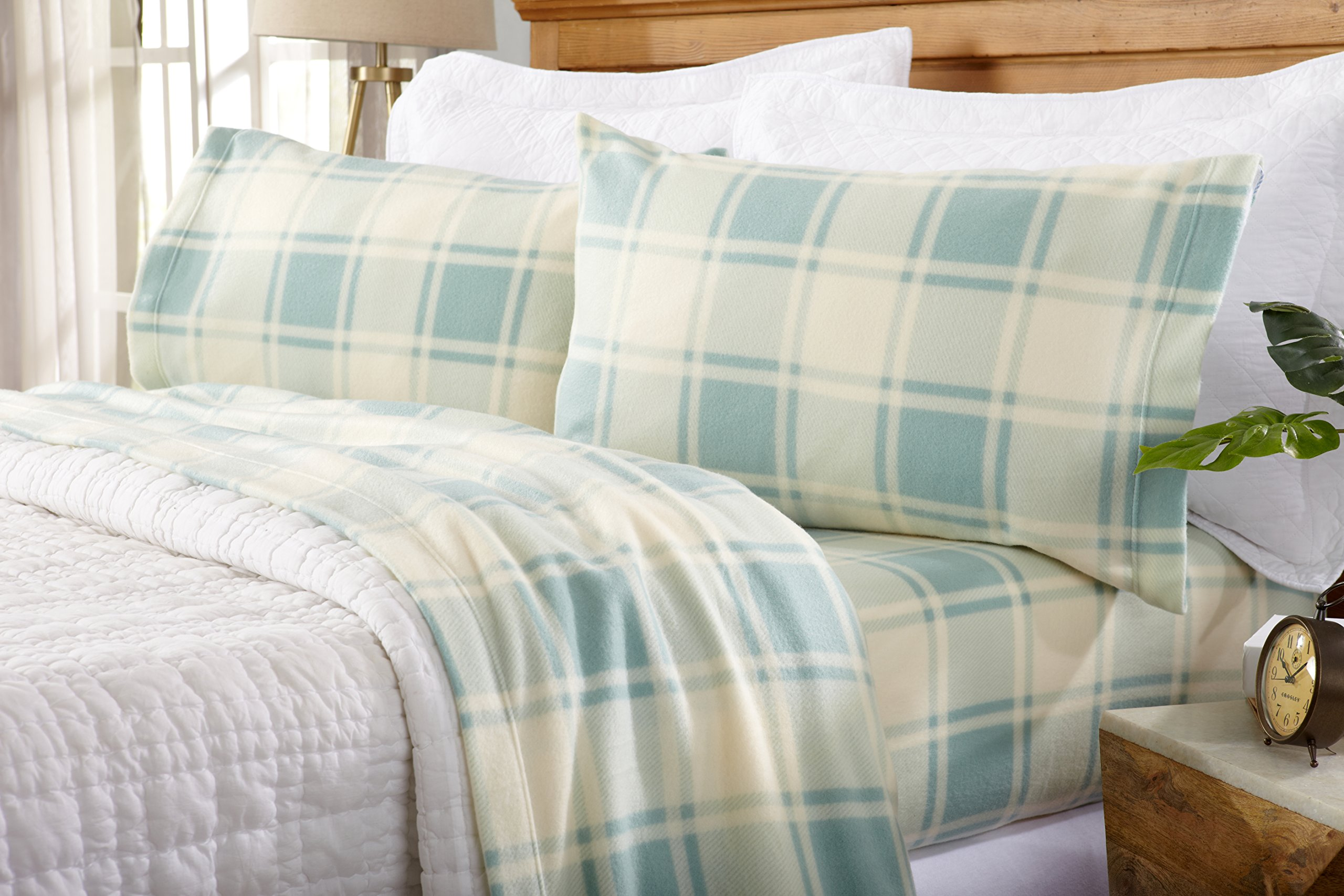 Great Bay Home Super Soft Extra Plush Plaid Polar Fleece Sheet Set. Cozy, Warm, Durable, Smooth, Breathable Winter Sheets with Plaid Pattern. Dara Collection By Brand. (Queen, Harbor Blue) by Great Bay Home (Image #4)