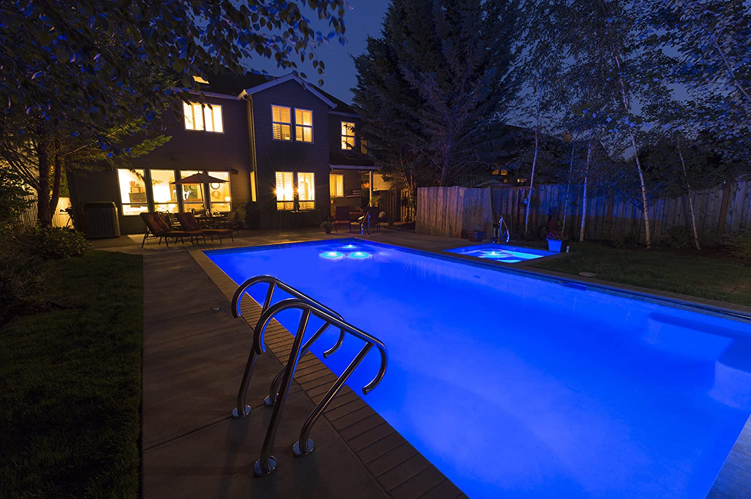 Amazon.com : S.R.Smith FLED-C-TR-50 12V & 5W Treo LED Pool Light with Cord,  50', Red/Blue/Green : Garden & Outdoor