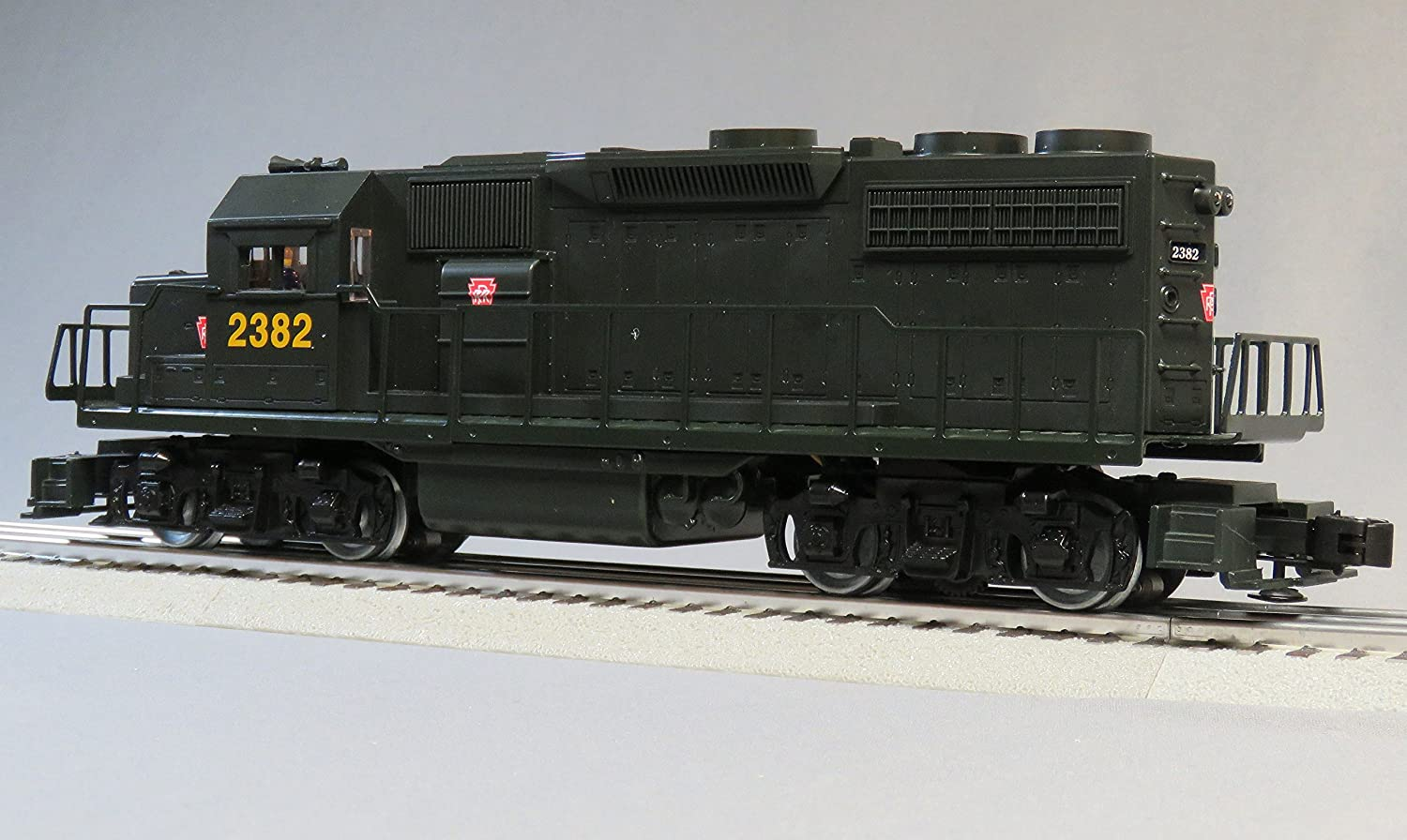 Amazon.com: LIONEL PRR KEYSTONE LIONCHIEF REMOTE CONTROL GP38 DIESEL 2382 o  gauge: Toys & Games