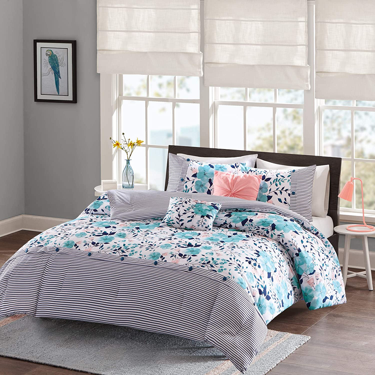 Amazon Com Intelligent Design Delle Comforter Set Full Queen Size Blue Floral Stripes 5 Piece Bed Sets Ultra Soft Microfiber Teen Bedding For Girls Bedroom Home Kitchen