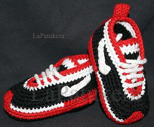 Patucos para bebé de crochet, Unisex. Estilo Nike, de color Negro/Rojo, 100% algodón, tallas de 0 hasta 12 meses, hechos a mano en España. Regalo para bebé.: Amazon.es: Handmade
