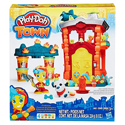 Play-Doh Town Firehouse: Toys & Games