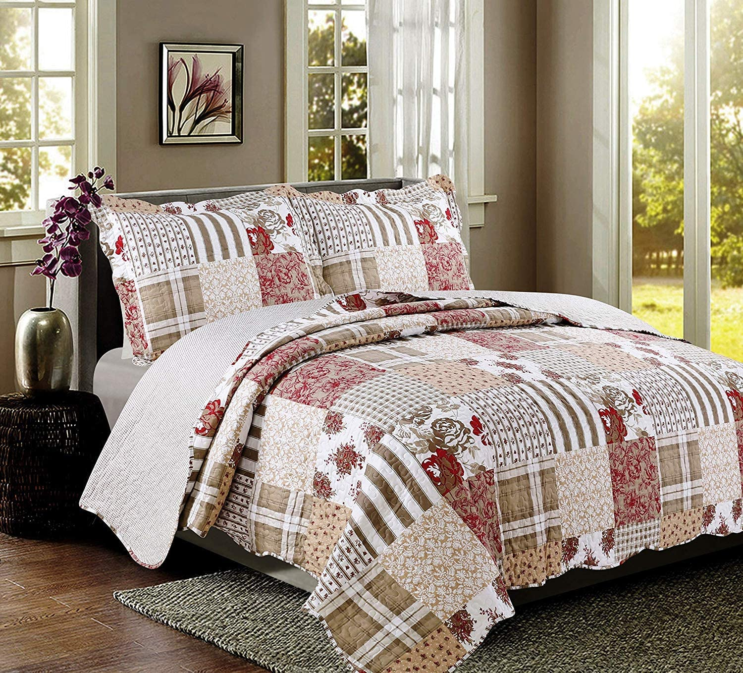 3-piece Quilt Set. Americana King, Soft Bedspread Set- Reversible Patchwork Coverlet with Shams