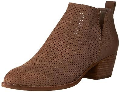 077048a2d462 Amazon.com  Dolce Vita Women s Sonya Bootie  Shoes
