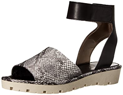 The Flexx Women's Sunscape Flat Sandal, Silver/Black Cricket VIP, ...