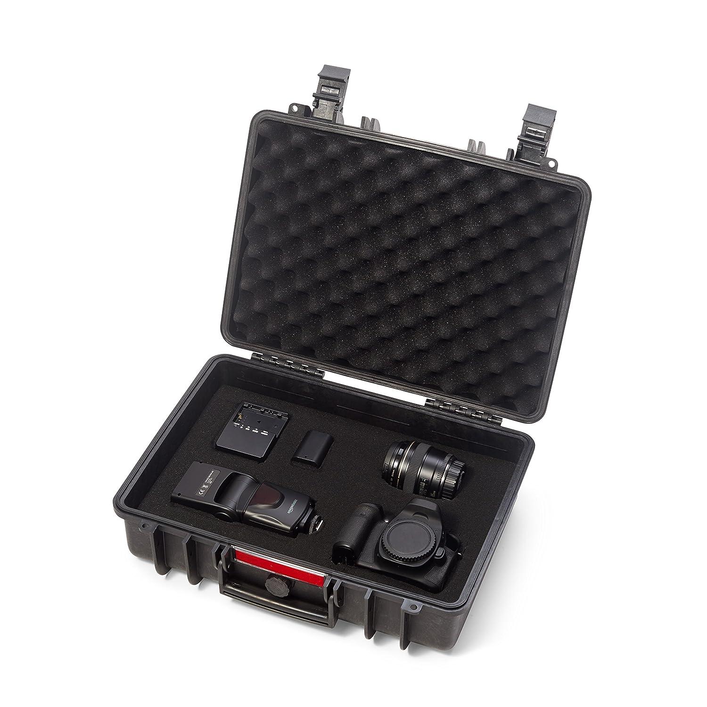 Basics Hard Camera Case Medium