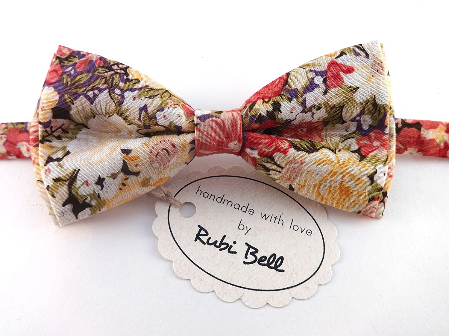 Floral bow tie and pocket square set