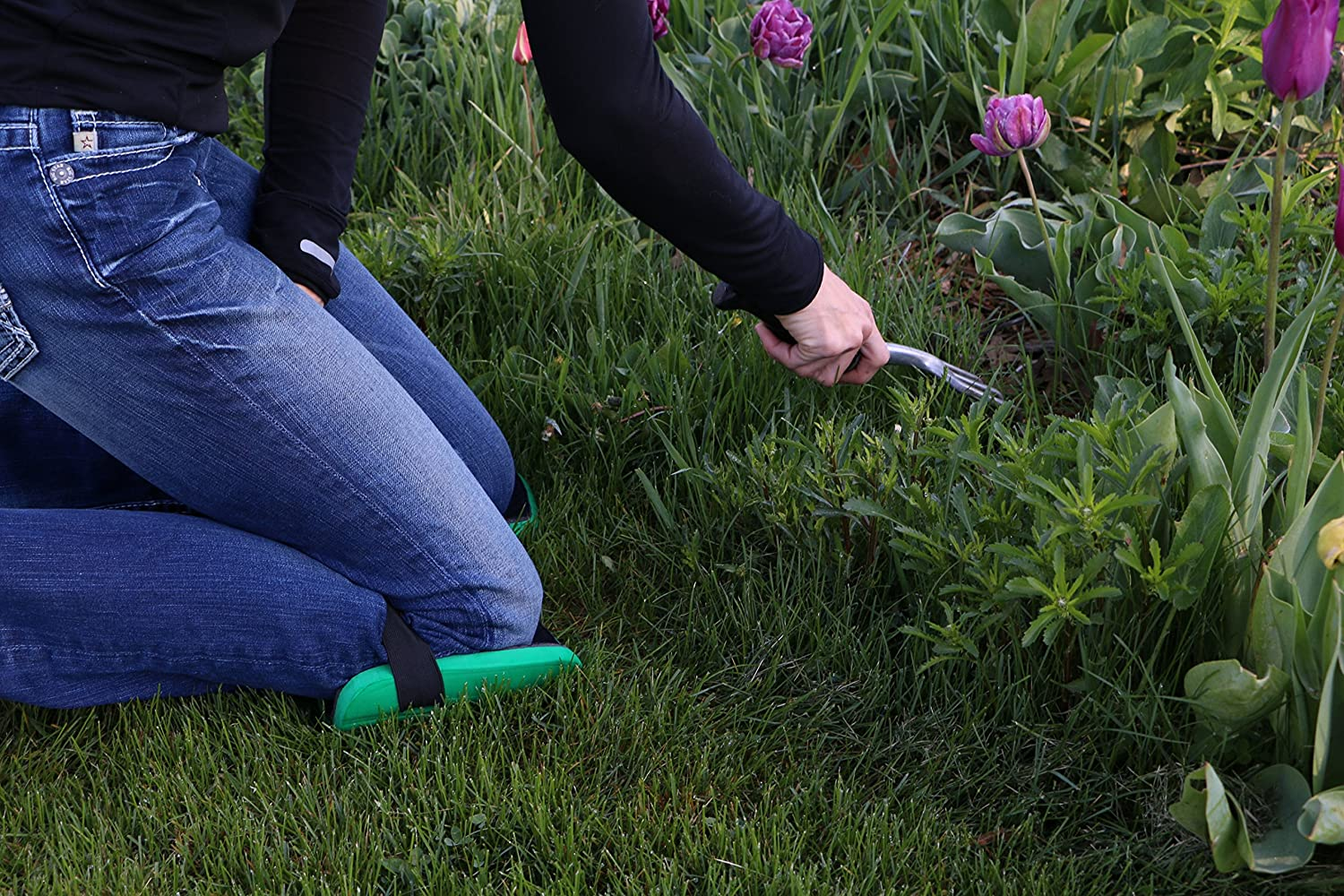 Protect your knees while doing your gardening with knee pads.