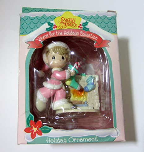 Precious Moments Home For The Holidays Boy and Girl In Wreath Christmas Tree Ornament Vintage 1996