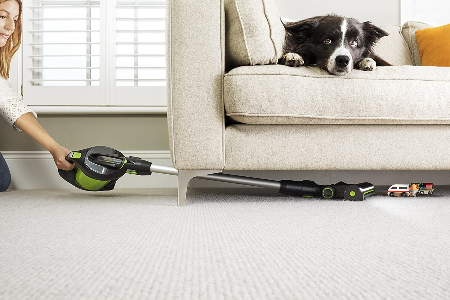 Green Gtech Pro Bagged Cordless Vacuum Cleaner 22 V