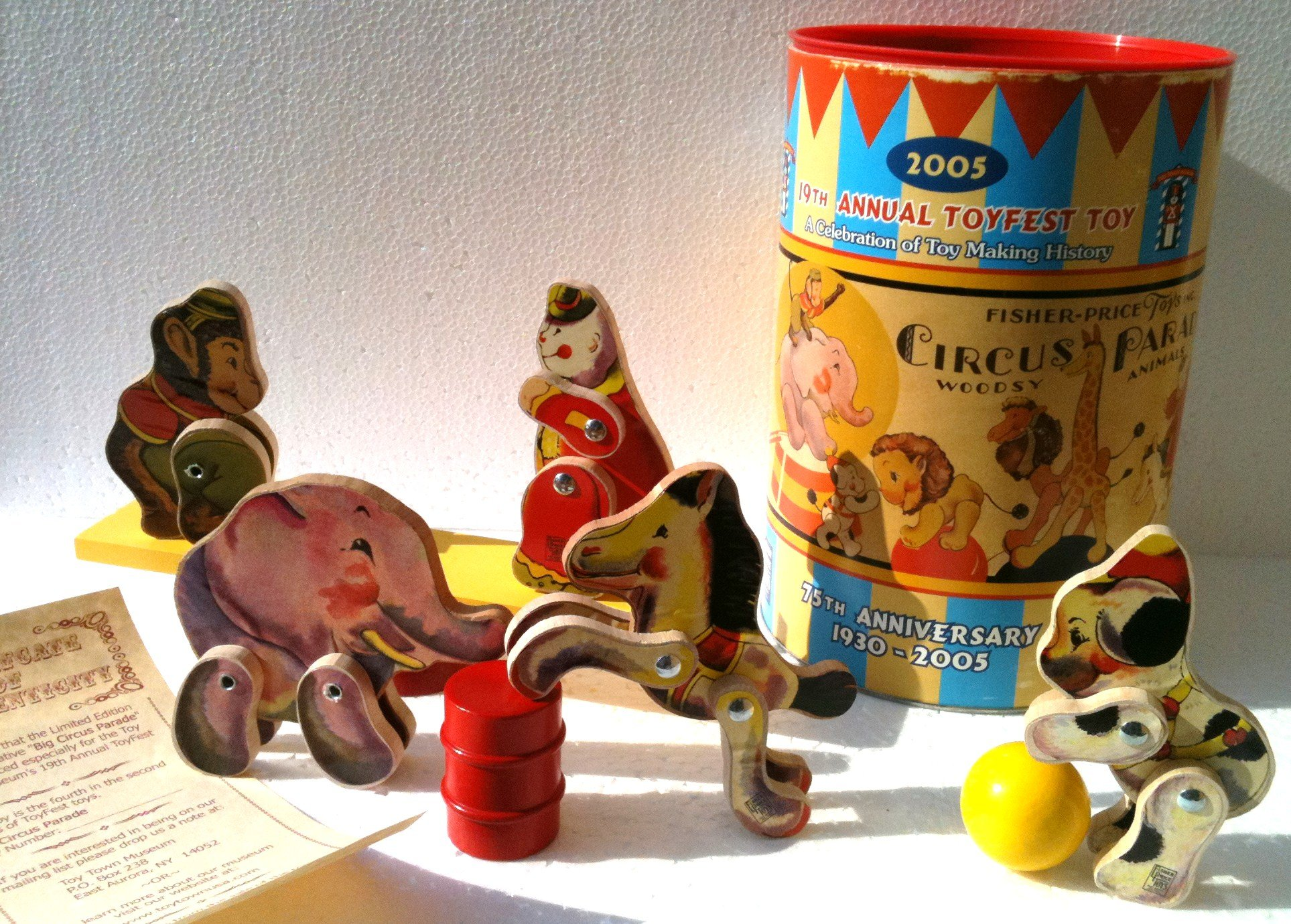 FISHER PRICE Wooden Toys BIG PERFORMING CIRCUS PARADE from 2005 Toyfest LIMITED EDITION Collectible 10 Piece Set (9'' Tall)