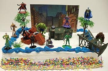 Amazoncom Batman Gotham City Under Attack 20 Piece Birthday Cake