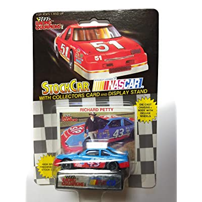Racing Champions 1991 NASCAR Richard Petty #43 STP 1/64 Diecast . . . Includes Collectors Card and Display Stand: Toys & Games [5Bkhe0502472]