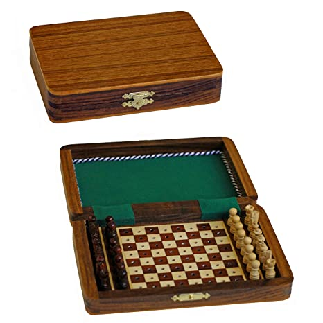 Captivating Travel Wood Pegged Chess Set With Lid